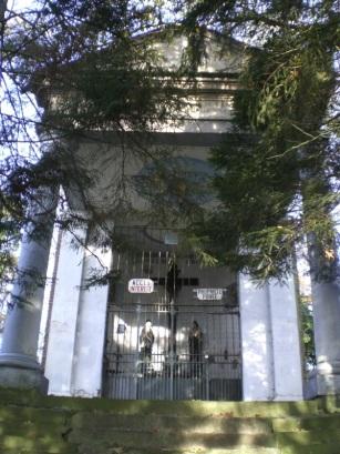 Carnieres-rue-du-calvaire